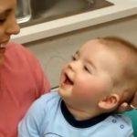 وقتی کودک ناشنوا برای نخستین بار صدای مادر را میشنود